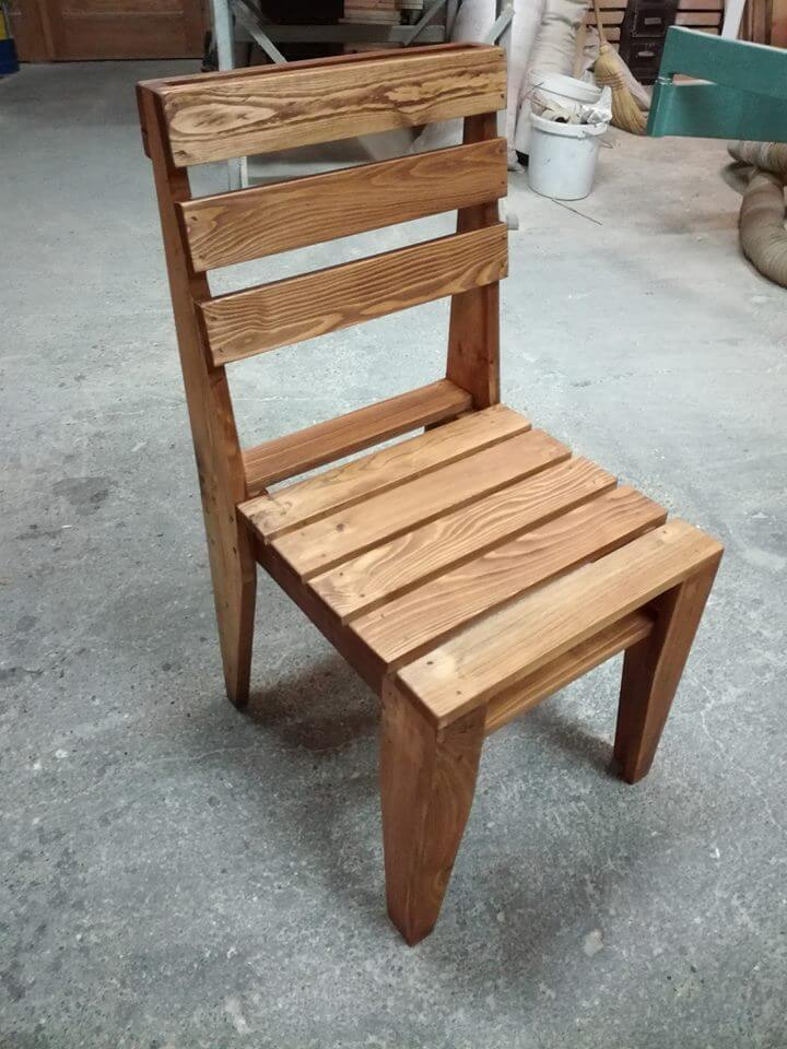 beautiful pallet chair
