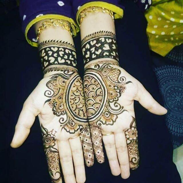 Heavy Front Hands Mehndi Designs