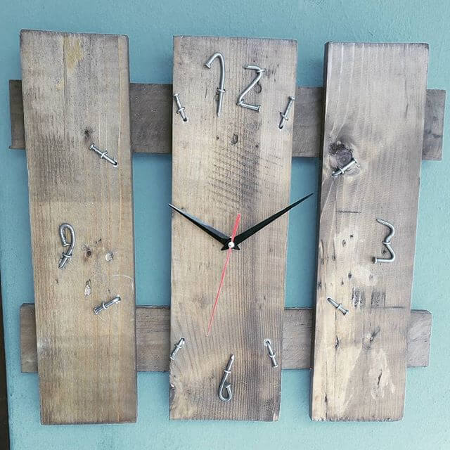 simple pallet clock