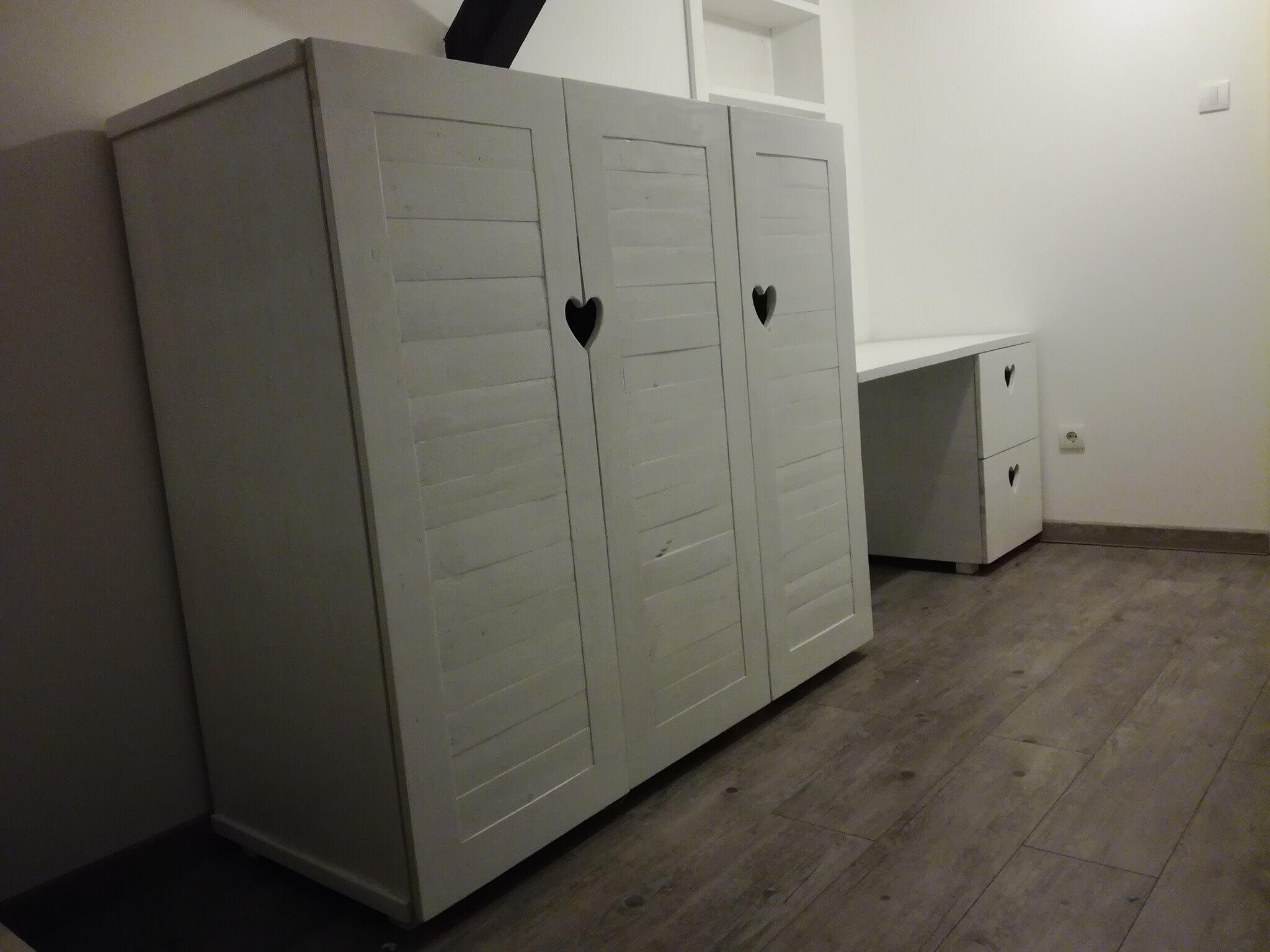 giant and elegant pallet cabinet