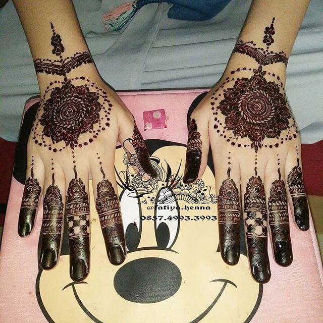 Perfect mehndi Design for eid