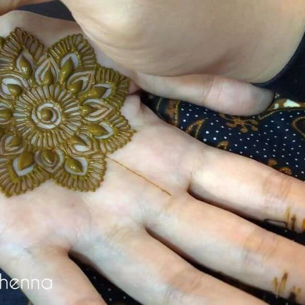 palm mehndi art