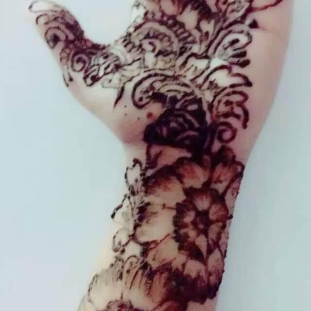 elegant Mehndi