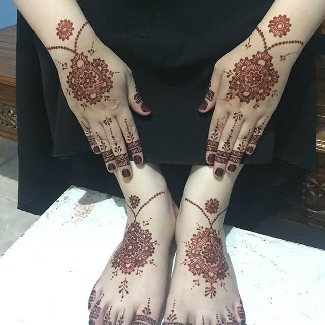 hand and foot mehndi design