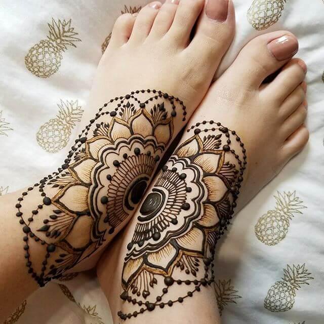 Mehndi Feet Design 2018 : Latest leaf and floral mehndi design sensod