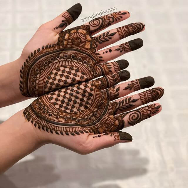 joint hand mehndi design