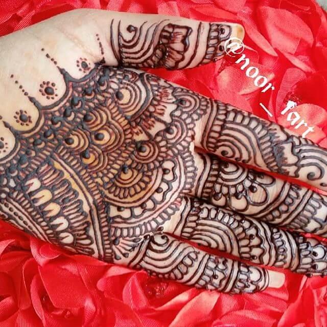 backhand mehndi design