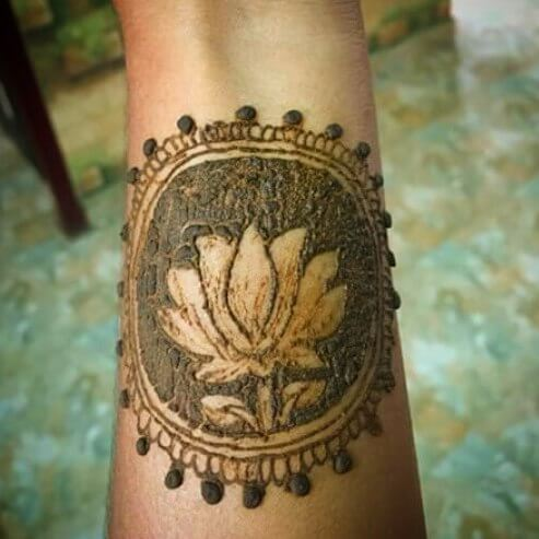 complicated and beautiful henna art