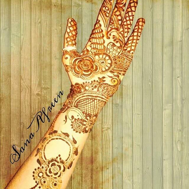 full front hand detailed mehndi