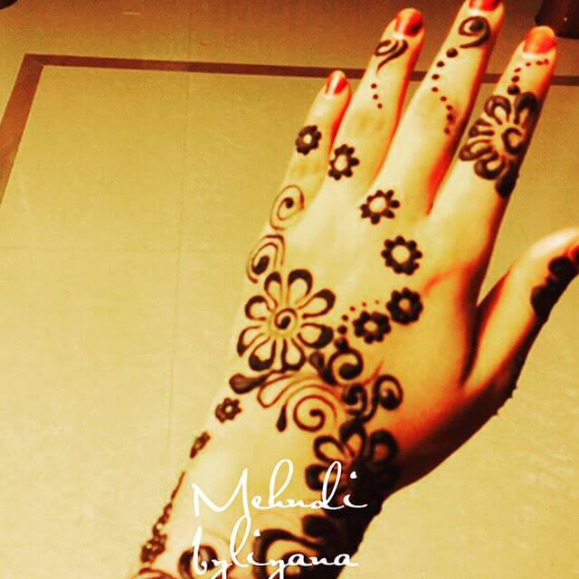 floral pattern mehndi 2018 trendy design