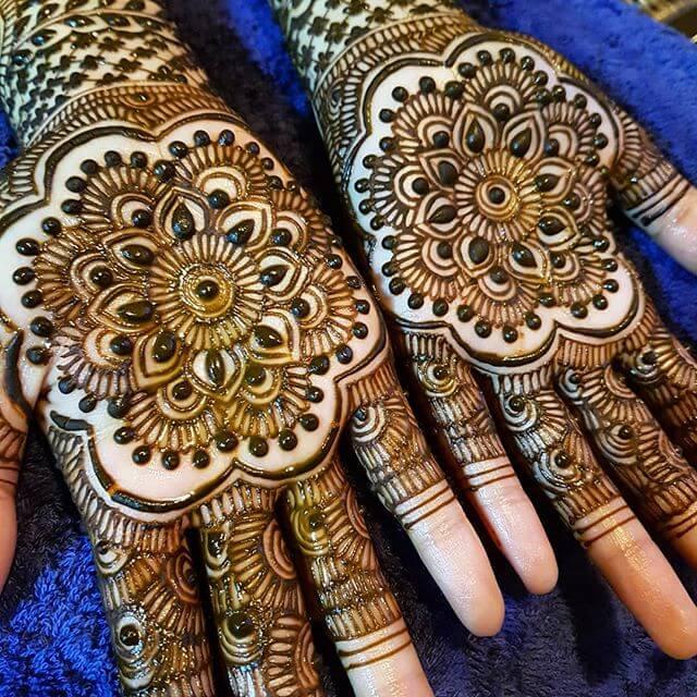 detailed design of mehndi