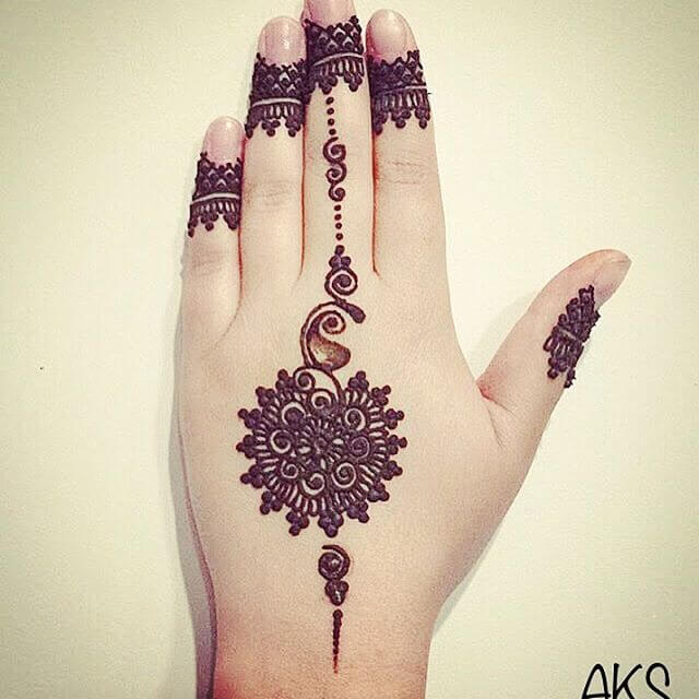 henna beautiful art