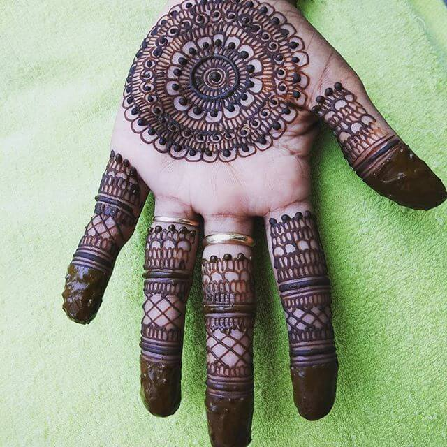 fronthand mehndi design