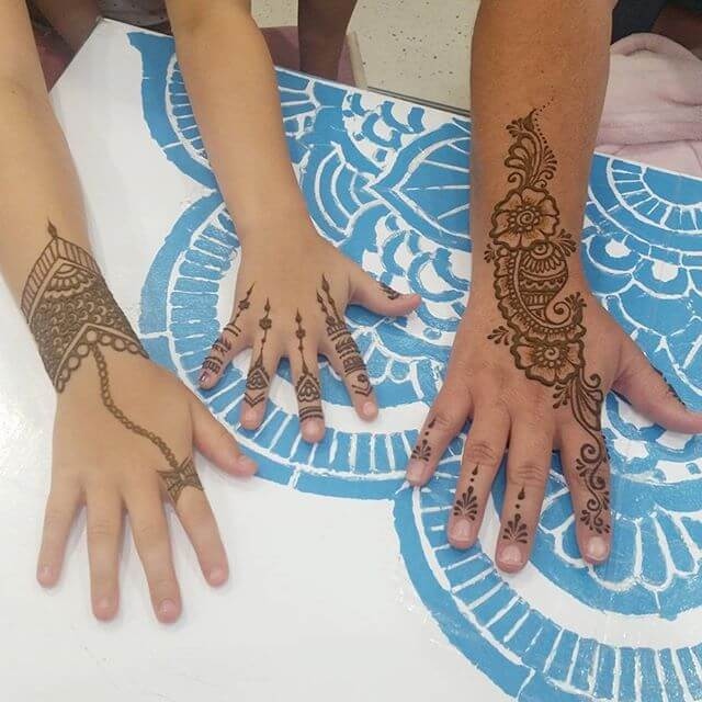 simple and elegant henna design