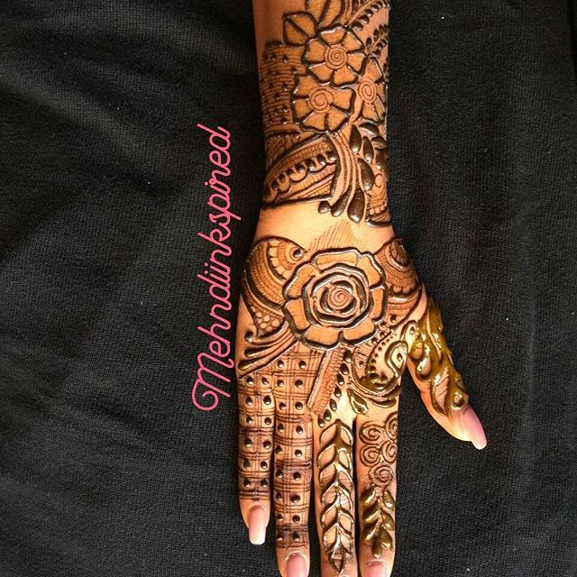 beautiful mehndi design