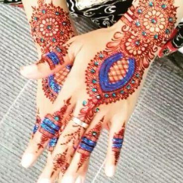 glitter mehndi hands