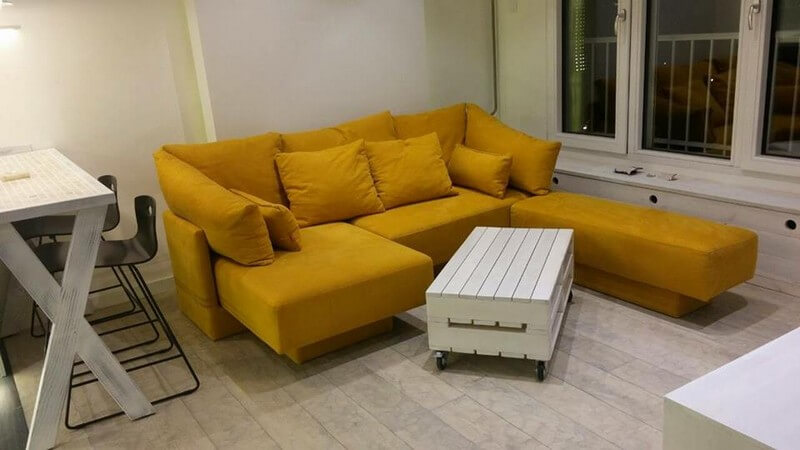 unique yellow colored pallet sofa