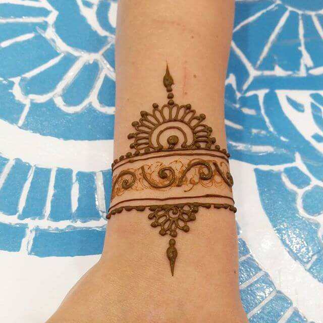 easy to follow mehndi design