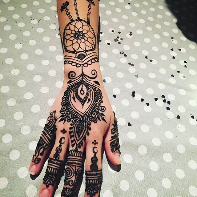 hand and arm mehndi art
