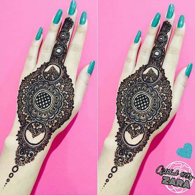 backhand complicated mehndi art