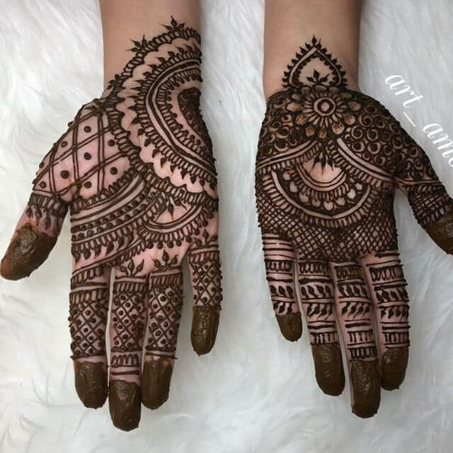 fronthand complicated mehndi art