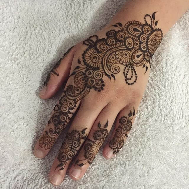 simple floral mehndi design