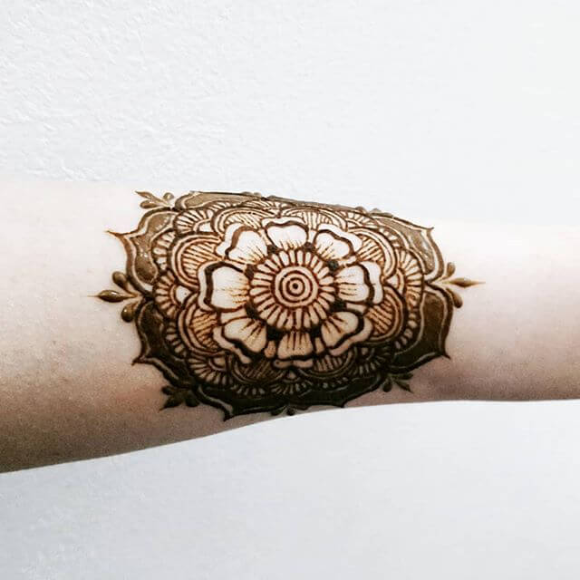 simple mehndi design for your arm