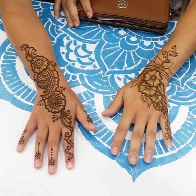 two hand mehndi design