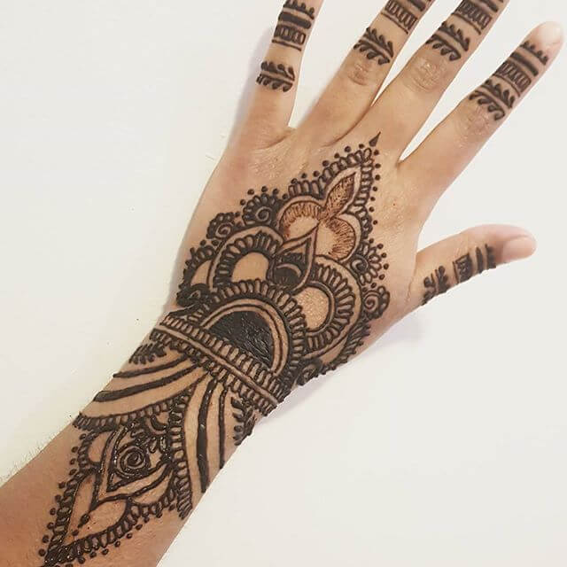 back hand v shaped mehndi design