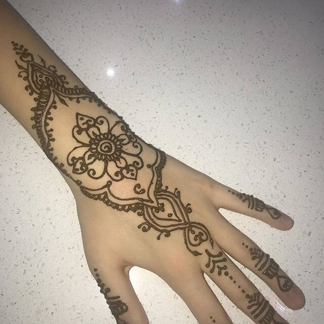full back hand beautiful mehndi