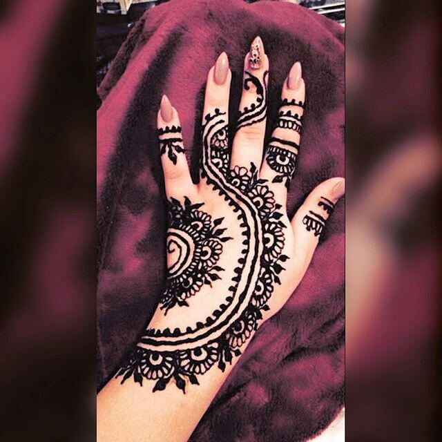 full hand detailed mehndi design