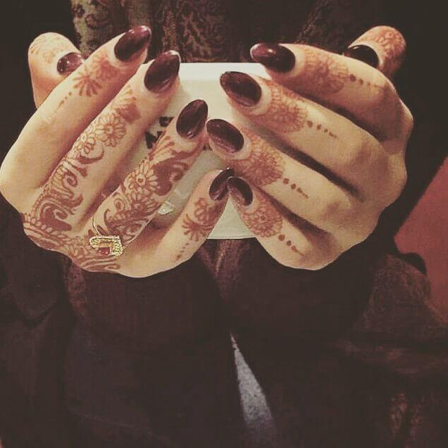 Simple and beautiful finger mehndi designs