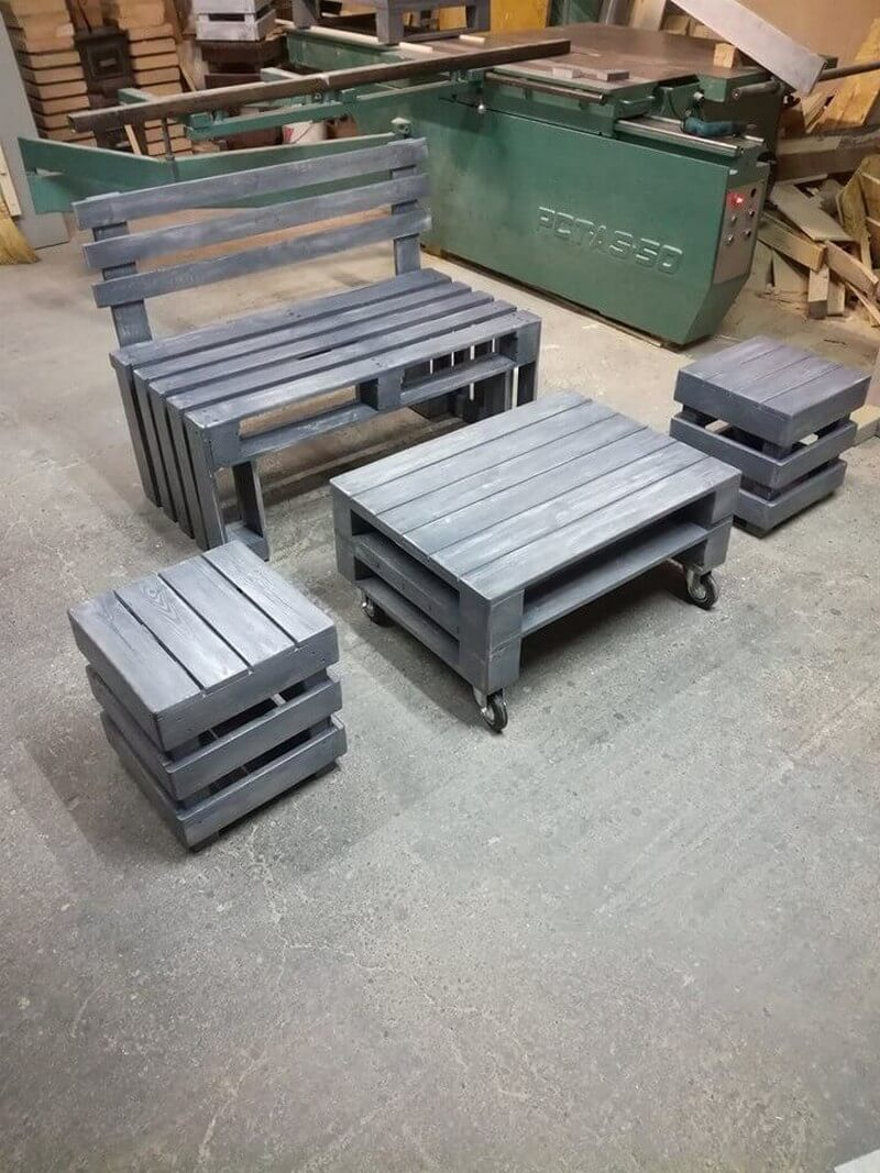 wooden pallet table with chairs