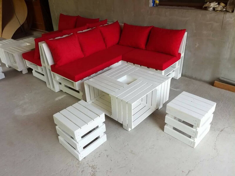 white and red pallet sofa