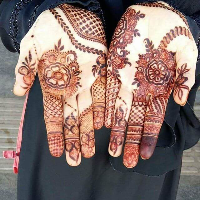 stunnging mehndi design