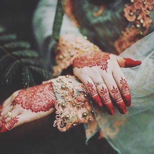 Purple Henna design for back hands