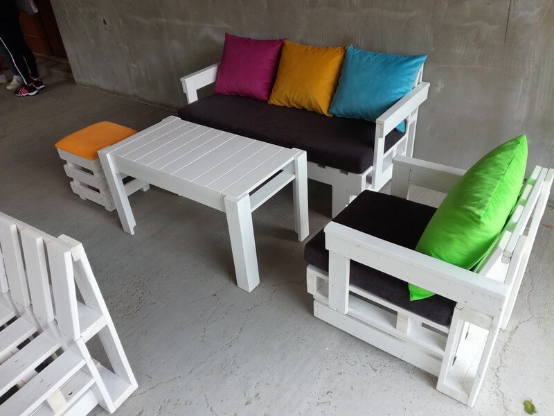 beautiful colorful pallet ideas