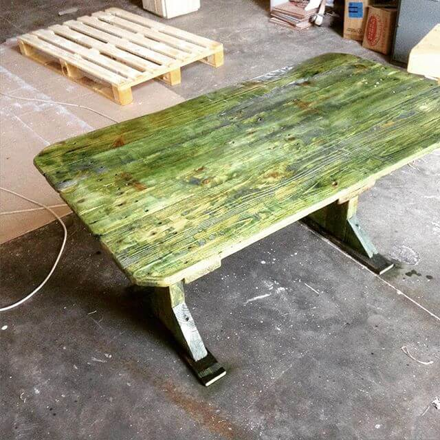 greenish pallet table for the outdoor plans