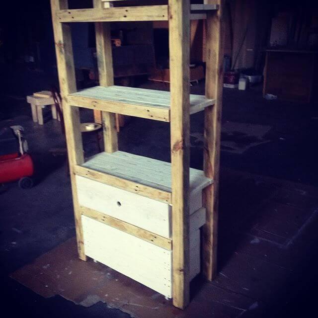 DIY pallet rack and drawer for storage solution