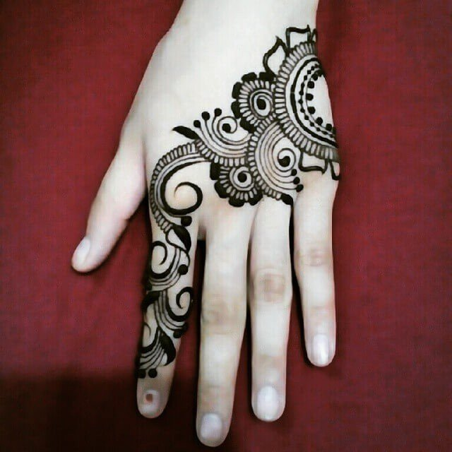 Simple Back Hands Arabic Mehndi Designs in 2018