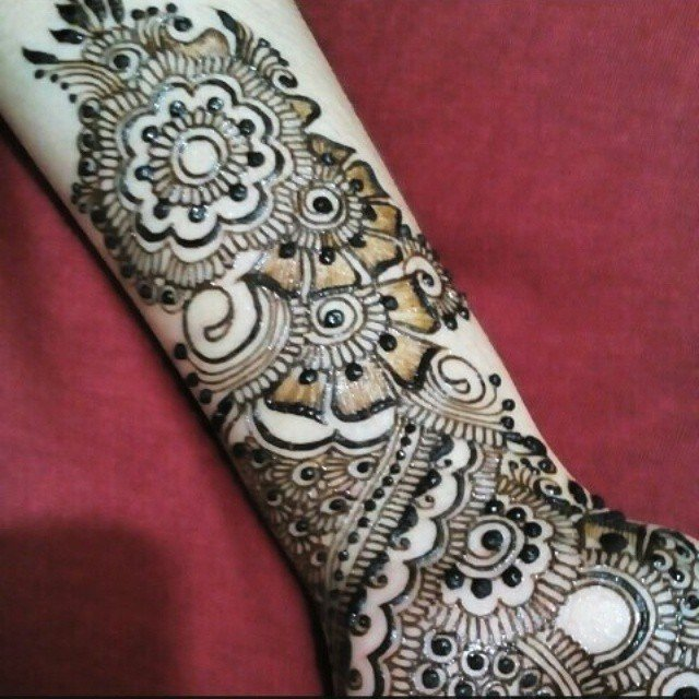 Simple Arms Arabic Mehndi Designs in 2018