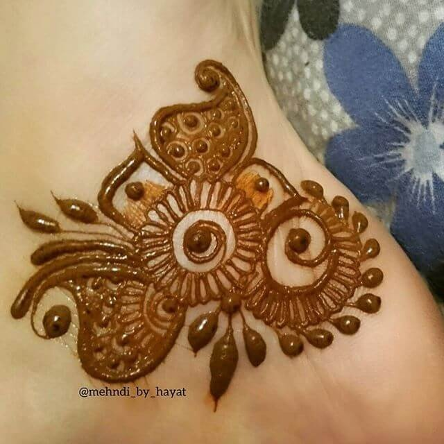 Tikky Hands Mehndi Designs 2018 on Sensod