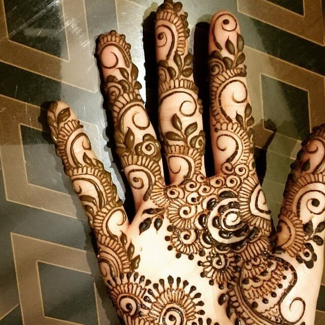 Full fronthand mehndi designs