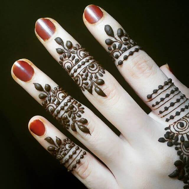 backhands finger mehndi designs
