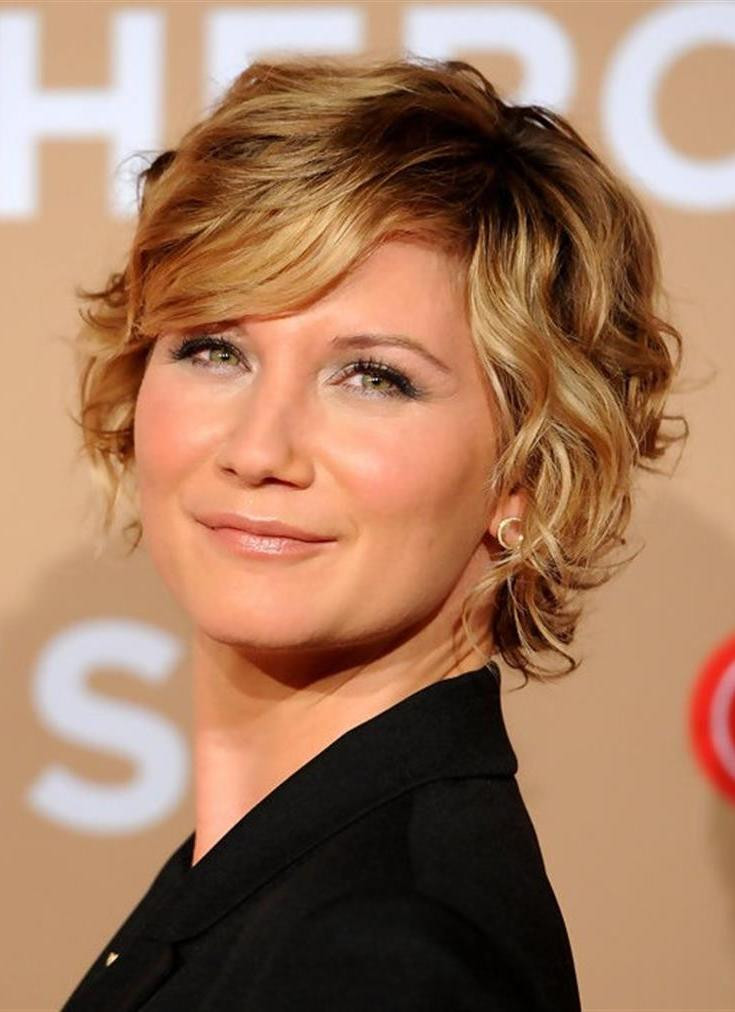 33 Classy Simple Short Hairstyles For Older Women Sensod