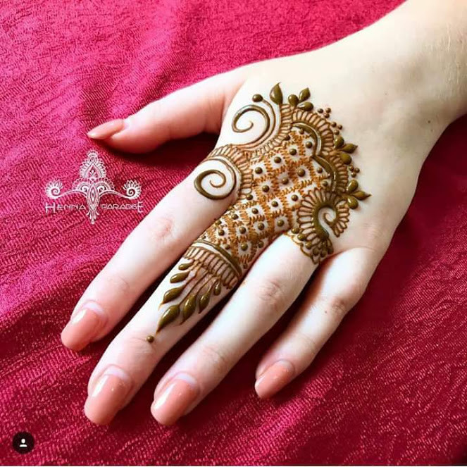 35+Beautiful and Easy Mehndi Designs for Girls