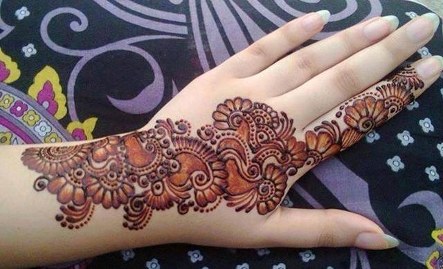 traditional mehndi design for hand