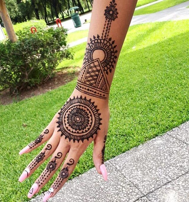 beautiful backhand mehndi designs