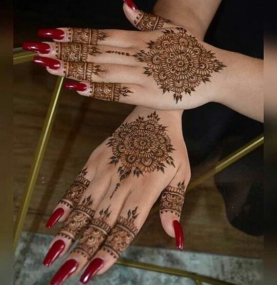 full backhand mehndi designs