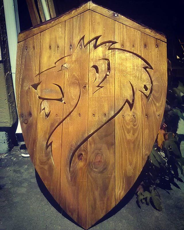 Pallet Lion Shelf Art